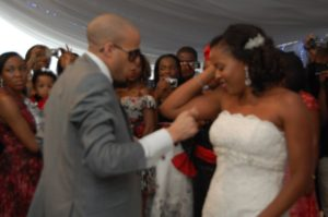 lola-abiodun-tosin-ashafa-wedding-bella-naija545