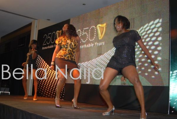 Omawumi and her dancers get in the music!