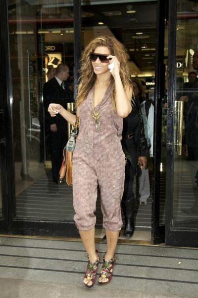 Beyonce_shops_up_a8af