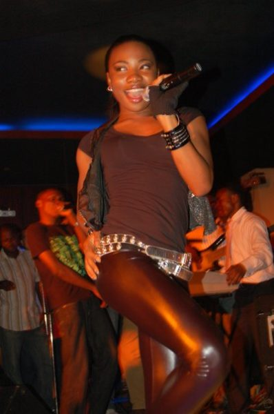 Mo'Cheddah on the mic