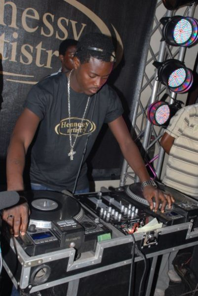 Hey Mr DJ