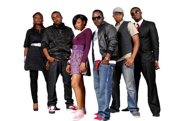 The headliner, MI with the contestants -