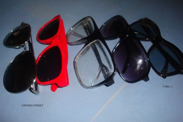 accessories: glasses/shades