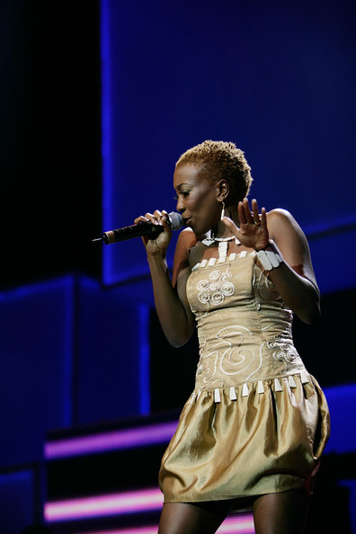 2008 Best Female Act Wahu performs for the MAMA audience