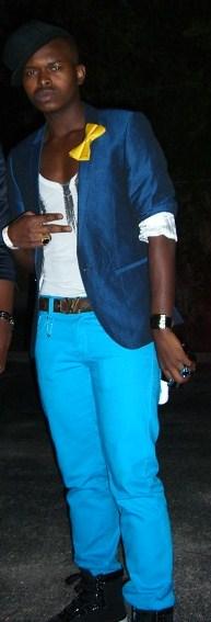 Blazer: River Island; Tshirt: Club Monaco; Pants: Uniqlo; Belt: Louis Vuitton; Bowtie: TM Lewin
