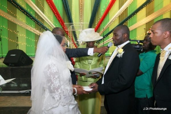 Moradeke and Seun Ogunbiyi White Wedding BellaNaija0011