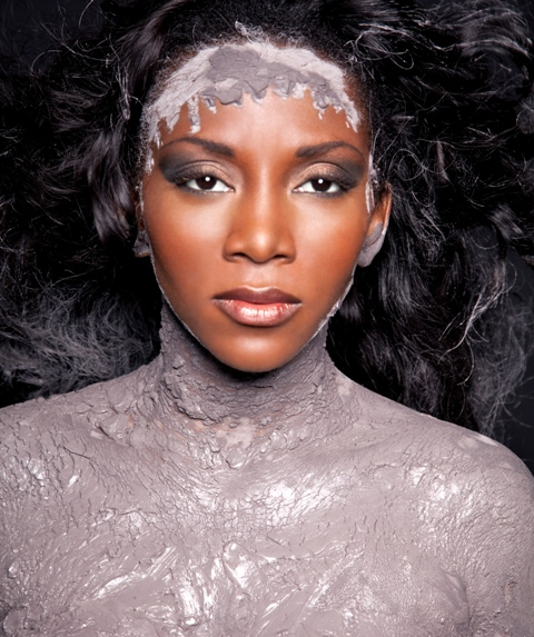 http://www.bellanaija.com/wp-content/uploads/2010/07/Genevieve-Nnaji-for-MUD-Cosmetics-Exclusive-Bella-Naija001.jpg