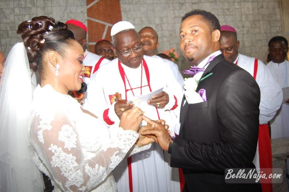 Ezuruonye keke nnorom white wedding nov 2010 exclusive bella naija020