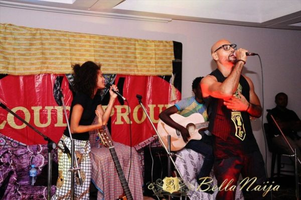 Nneka on stage with Babatunde
