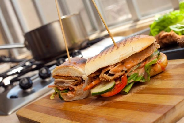 Bn cuisine with chef fregz the suya sandwich for Cuisine configuration