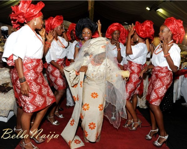 Tolu Odukoya & Olumide IjogunTraditional Engagement Photonimi - December 2012 - BellaNaija767