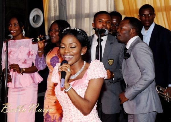Tolu Odukoya & Olumide IjogunWhite Wedding Photonimi - December 2012 - BellaNaija1578