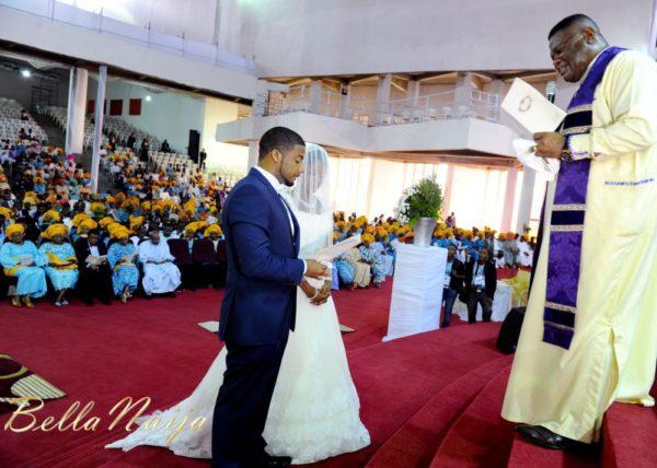 Tolu Odukoya & Olumide IjogunWhite Wedding Photonimi - December 2012 - BellaNaija547
