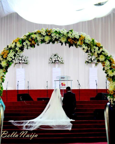 Tolu Odukoya & Olumide IjogunWhite Wedding Photonimi - December 2012 - BellaNaija616