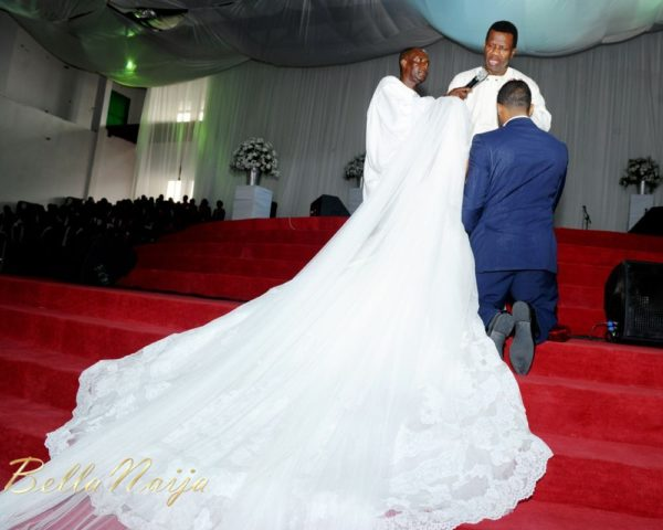 Tolu Odukoya & Olumide IjogunWhite Wedding Photonimi - December 2012 - BellaNaija809