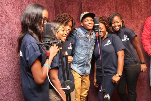 Nigerian Idol Contestants hang out with Wizkid -February 2013-BellaNaija008