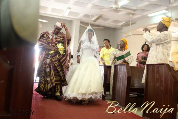 Tosin Alakija & Dotun Akinbode White Wedding 1 - March 2013 - BellaNaija081