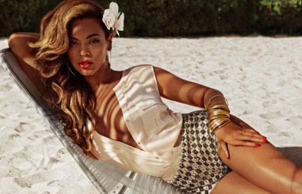 Beyonce Mrs Carter H&M - April 2013 - BellaNaija004