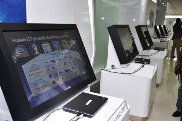 Huawei Unveils Smartphone Huawei4Afika - BellaNaija - May2013006