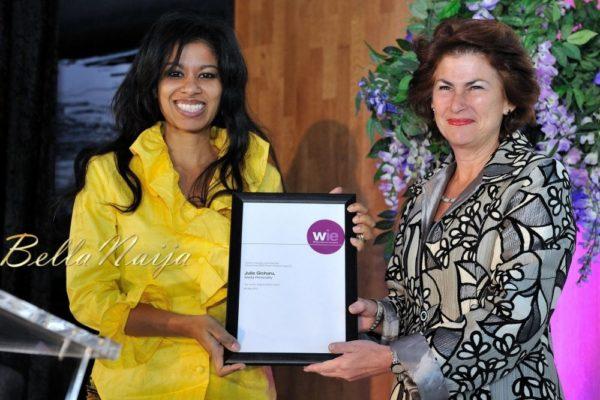 Julie Gichuru receiving the WIE 60 Power Influencer Award from Dame Nicola Brewer