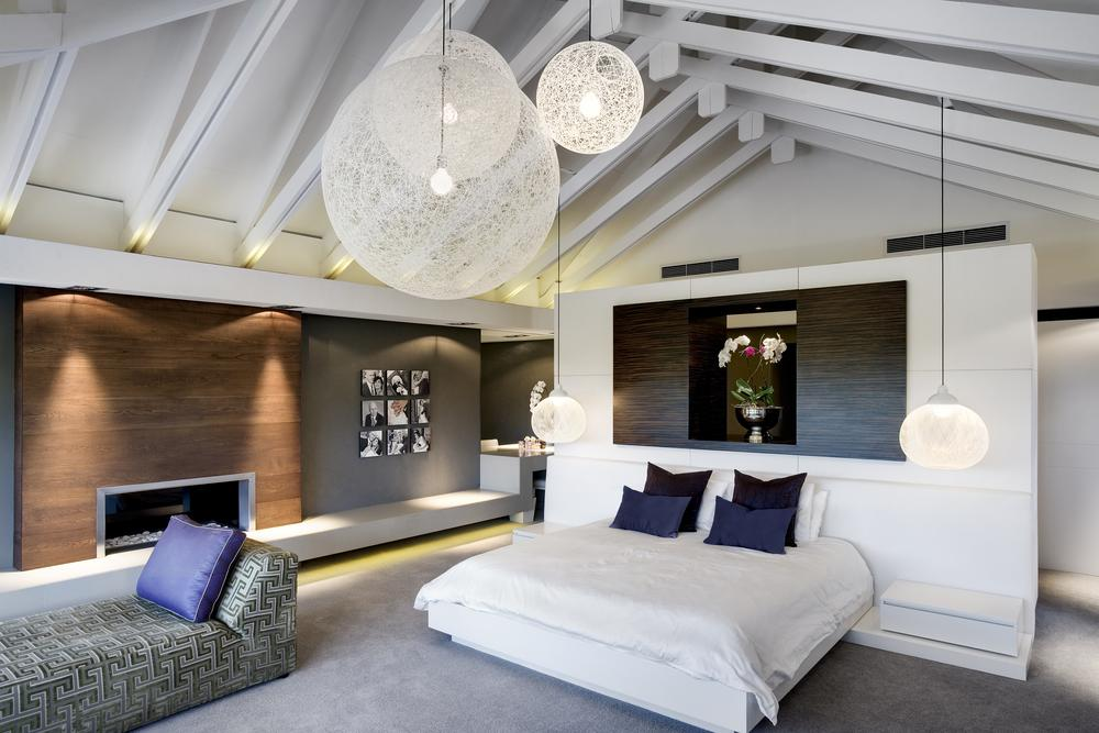 Illuminazione Led Cameretta : Luxury Attic Bedroom Design