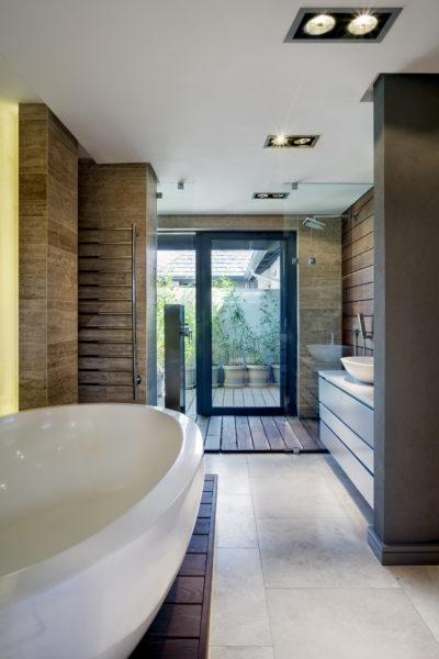 PV276_1_Int_102_Bathroom_001_al_kvz