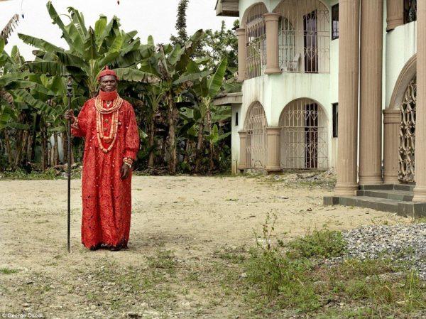 Deinmowuru Donokoromo III - Pere of Isaba