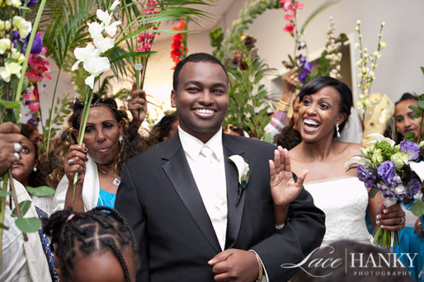African_Wedding_LaceHanky_001