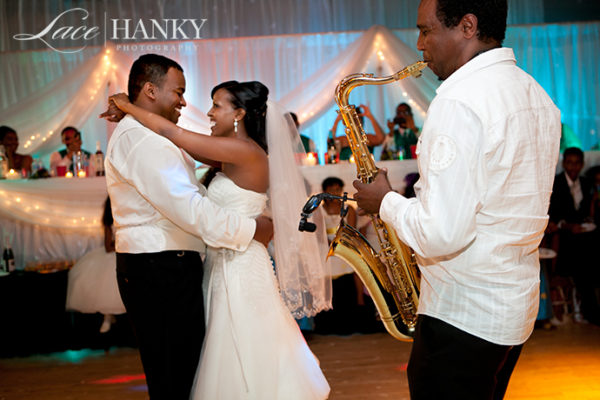 African_Wedding_LaceHanky_014