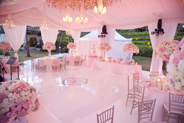 Bn wedding d cor outdoor wedding receptions bellanaija for Bali wedding decoration ideas