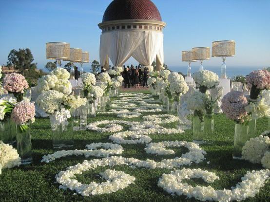 outdoor_wedding_decor_bellanaija_MindyWeiss