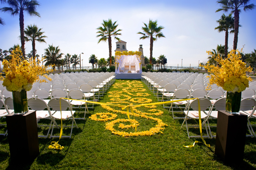 outdoor_wedding_decor_bellanaija_aisle-rose-petals