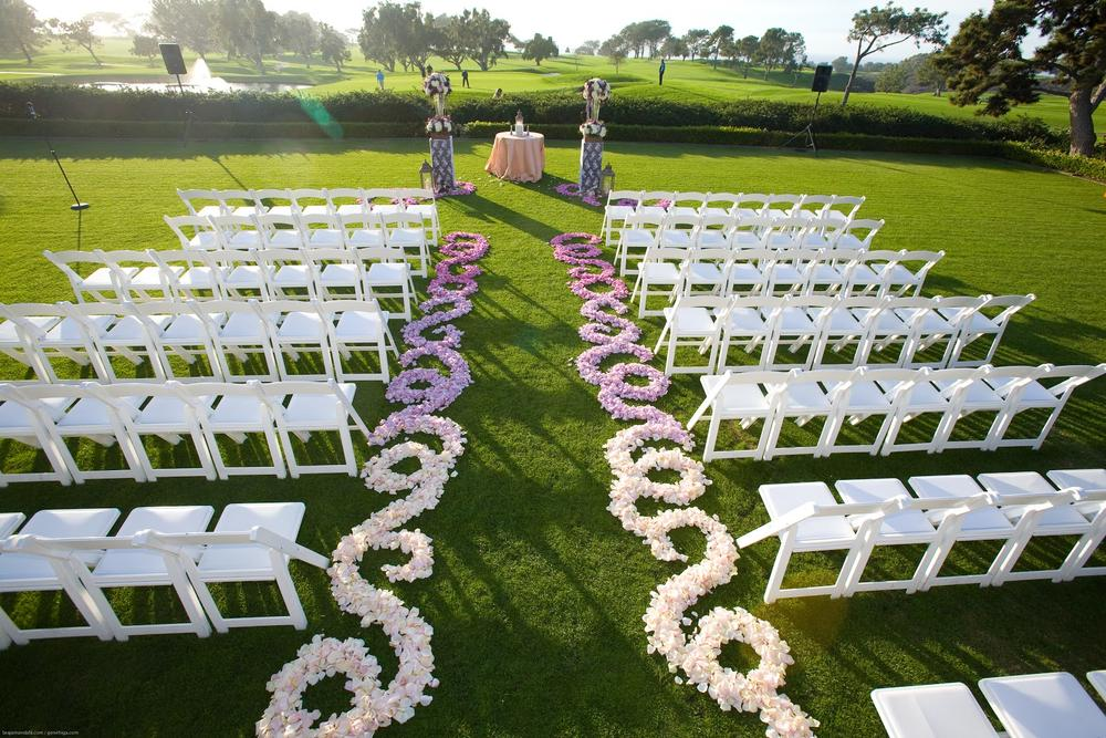 Bn wedding d cor outdoor wedding ceremonies bellanaija for Backyard wedding ceremony decoration ideas
