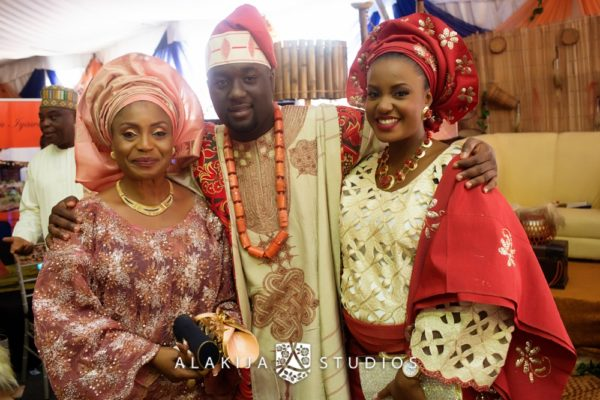 Abisoye_Lanre_Yoruba_Traditional_Engagement_Wedding_Jide_Alakija_Studios_Nigerian_BellaNaijaCM2_5321