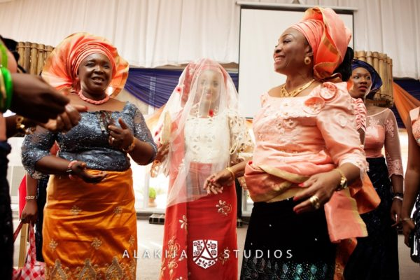 Abisoye_Lanre_Yoruba_Traditional_Engagement_Wedding_Jide_Alakija_Studios_Nigerian_BellaNaijaIMG_6844