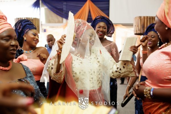 Abisoye_Lanre_Yoruba_Traditional_Engagement_Wedding_Jide_Alakija_Studios_Nigerian_BellaNaijaIMG_6852