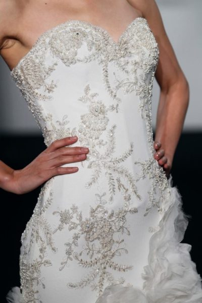 Mark_Zunino_Kleinfeld_Fall_2013_BellaNaija_Bridal_Collection_Wedding_dresses_7-MZBF501