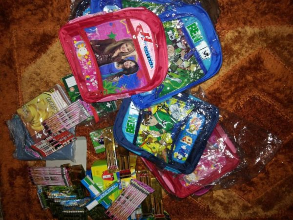 TV Personality Ariyike Akinbobola donates Back-To-School Items for Children in Ajegunle- September 2013 - BellaNaija - 021