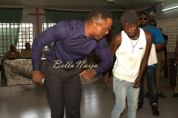 Iyanya celebrates his Birthday with Ikoyi Prison Inmates - October 2013 - BellaNaija008