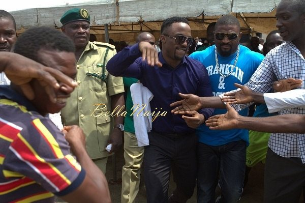 Iyanya celebrates his Birthday with Ikoyi Prison Inmates - October 2013 - BellaNaija013