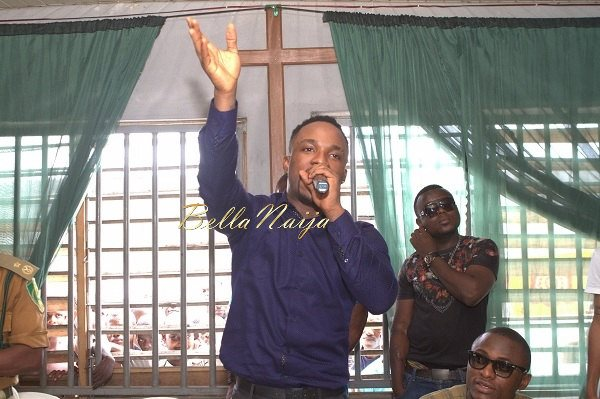 Iyanya celebrates his Birthday with Ikoyi Prison Inmates - October 2013 - BellaNaija014