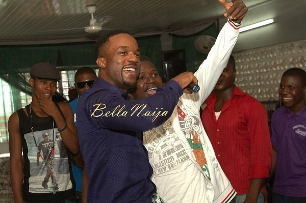 Iyanya celebrates his Birthday with Ikoyi Prison Inmates - October 2013 - BellaNaija015