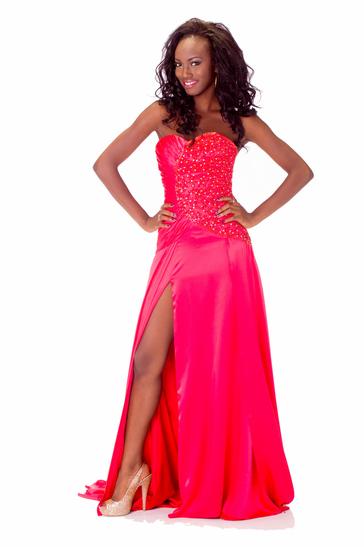 Miss Universe - Miss Ghana  - October 2013 - BellaNaija 03
