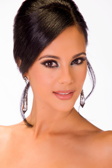 Miss Universe - Miss South Africa  - October 2013 - BellaNaija 02