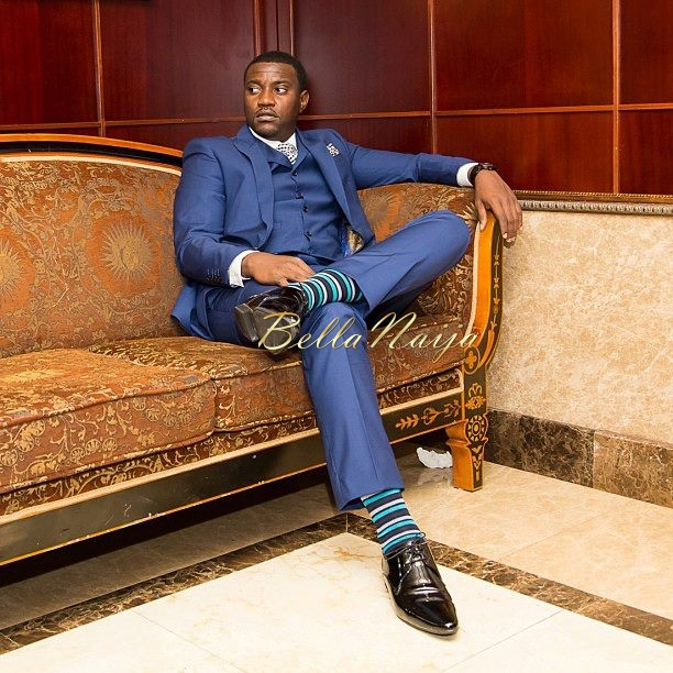 john_dumelo_blue_suit_groom