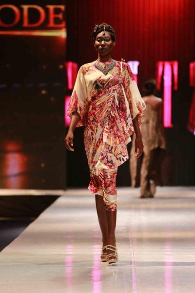 Glitz Africa Fashion Week 2013 Modella B - BellaNaija - November2013003