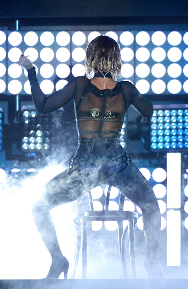 Beyonce & Jay-Z - January 2014 - Grammy Awards - BellaNaija 07