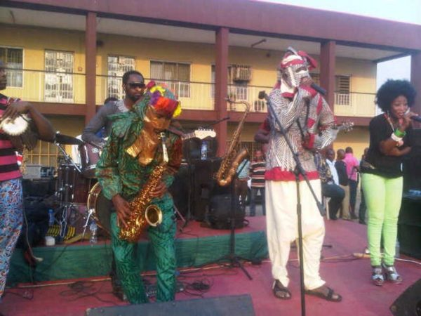 Lagbaja performs with Nigeria's Got Talent Winner Akorede Odukale - BellaNaija - January2014003