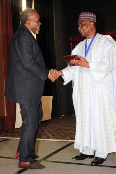 General Gowon presents award to Olu Jacobs