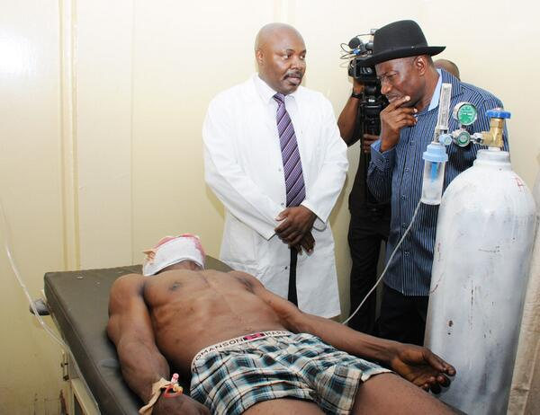Jonathan Visits Nyanya Bombing Scene & Victims at Hospital - April - BellaNaija.com 06